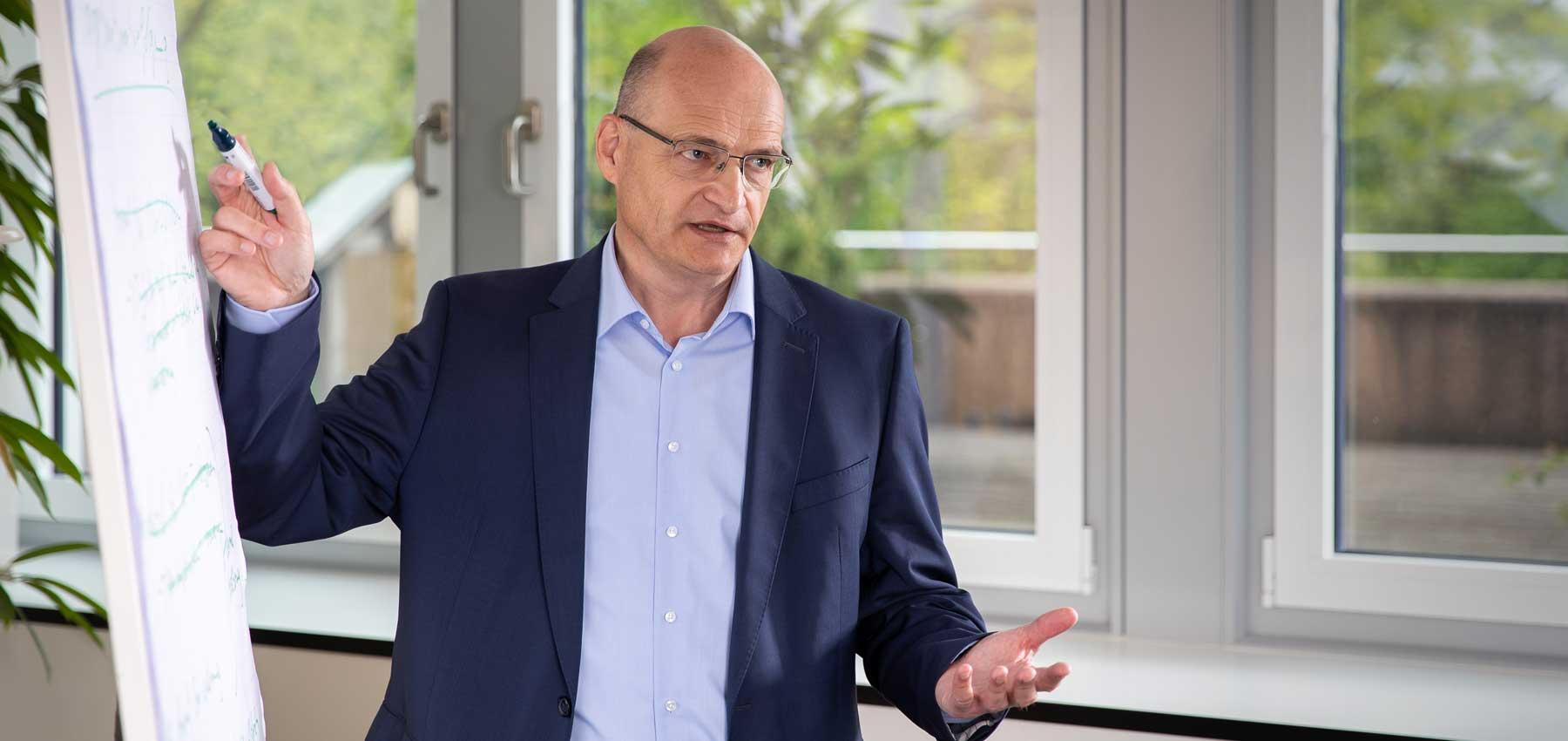 Dr. Martin Sommer Kandidat Landrat parteilos Vortrag